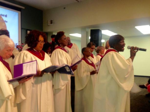 The Ubuntu Choir sings Ordinary People